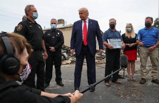 ترامپ به کنوشا رفت اما برای حمایت از پلیس