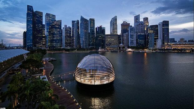 تصاویر فروشگاه شناور اپل در سنگاپور