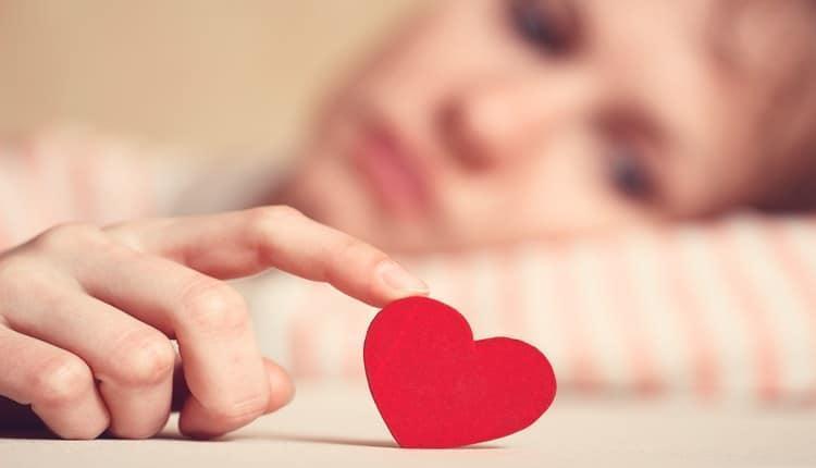 علت و علائم عشق به افراد نامناسب چیست؟