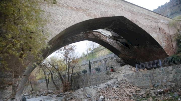 تسریع فرایند حفاظت و بازسازی پل دختر کرج در دستور کار نهاده شد