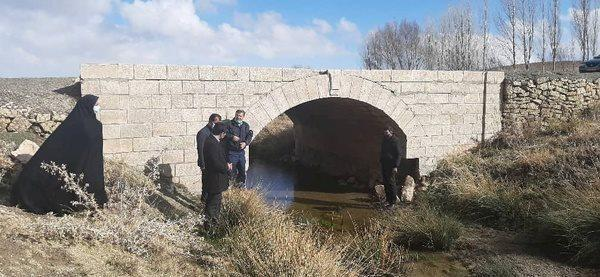 یک پل تاریخی قدیمی در بخش گلتپه شناسایی شد
