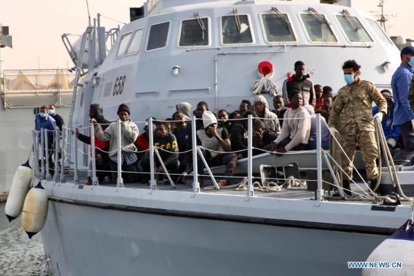 گارد ساحلی لیبی 99 مهاجر غیرقانونی را نجات داد